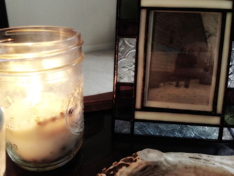 How to make your own candles